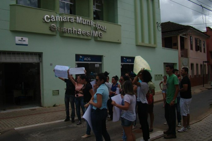 protesto_alunos_puc_serro_em_gh_13_02_6