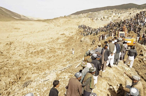 deslizamento_terra_afeganistao_03_05