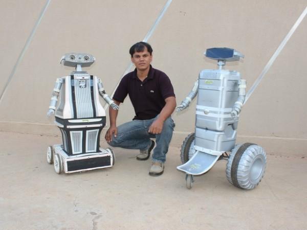 Mineiro De Montes Claros Cria Robôs Com Materiais Recicláveis