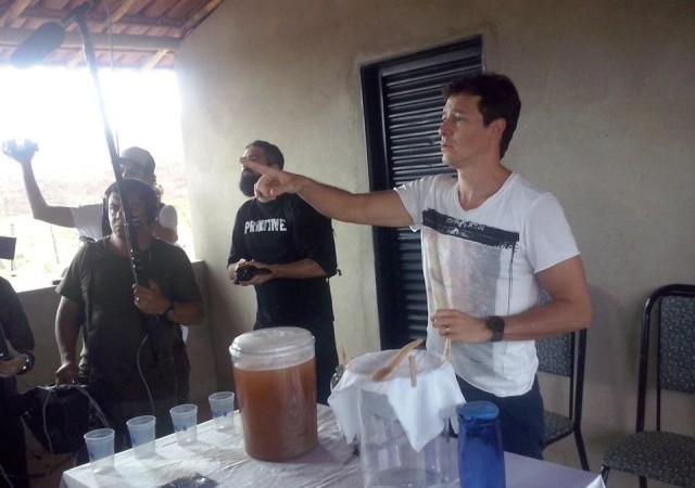 Rodrigo Faro grava documentário em Virgem da Lapa