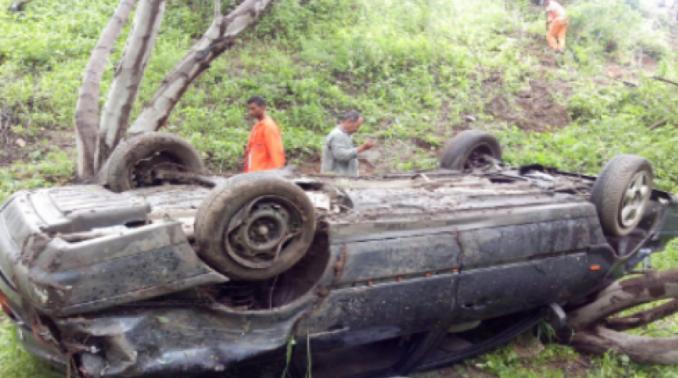 Uma criança morre em acidente de carro no Vale do Jequitinhonha