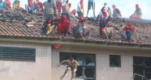 presos_telhado_gv