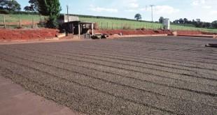 produtores-investem-na-lama-asfaltica-para-pavimentar-terreiro-de-cafe