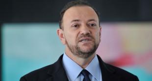 Ministro de Comunicação Social fala à imprensa