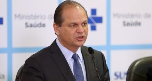 Ministro Ricardo Barros concede sua primeira coletiva