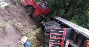 acidente_carreta_de_leite_teo_2