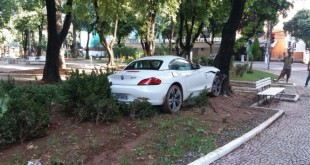 acidente_gv_luxo