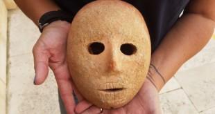 mascara_pedra