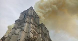 incendio_catedral_notredame_1
