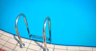 escada_piscina