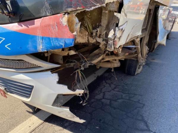 Acidente entre ônibus e carro deixa três mortos na BR-116, no ...